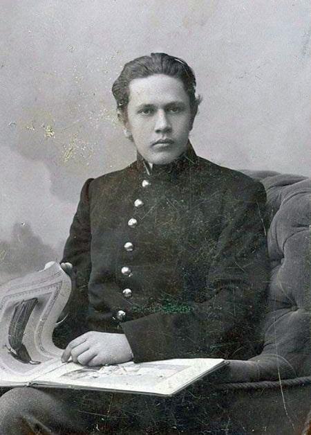 17-letnij-Aleksej-Tolstoj