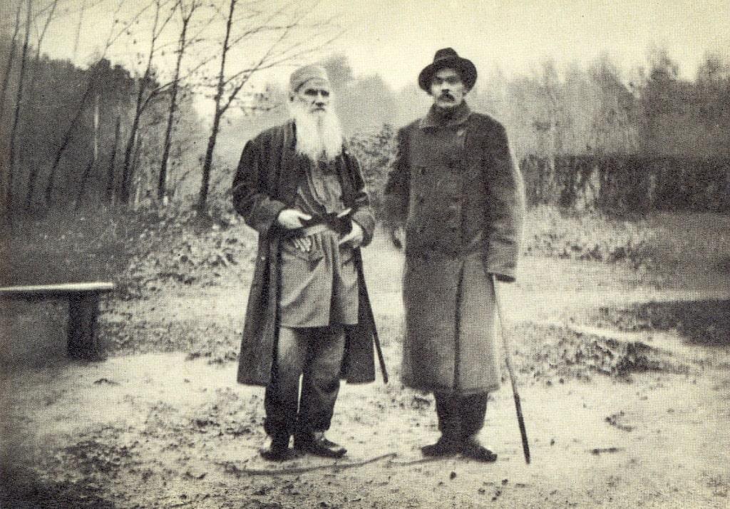 1900-YAsnaya-Polyana.-L.-N.-Tolstoy-i-A.-M.-Gorkiy