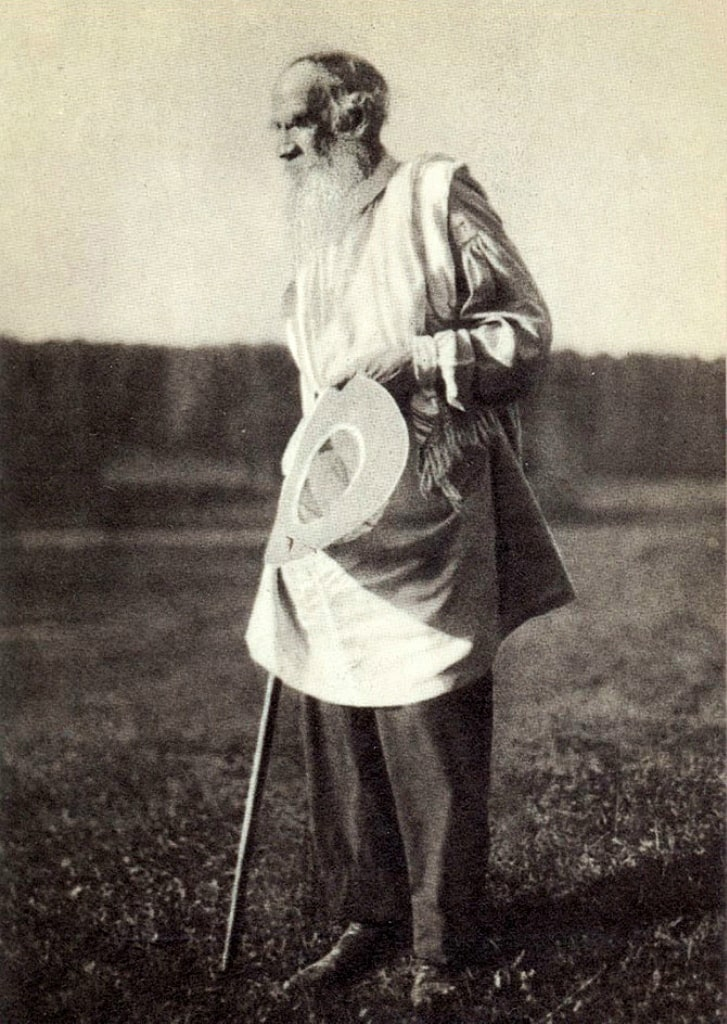 1905-YAsnaya-Polyana.-L.-N.-Tolstoy-vozvrashhaetsya-s-kupaniya-na-reke-Voronke
