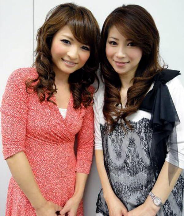 43-letnyaya-Masako-Mizutani-s-19-letnej-docheryu-sleva