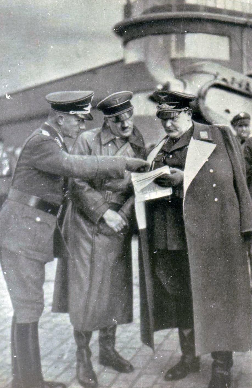 Adolf-Gitler-i-German-Gering-vo-vremya-inspektsii-e`skadrili-Rihtgofena.-1937