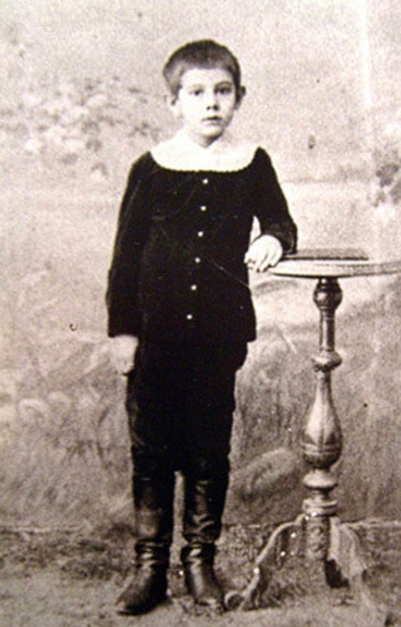 Aleksandru-Belyaevu-10-let