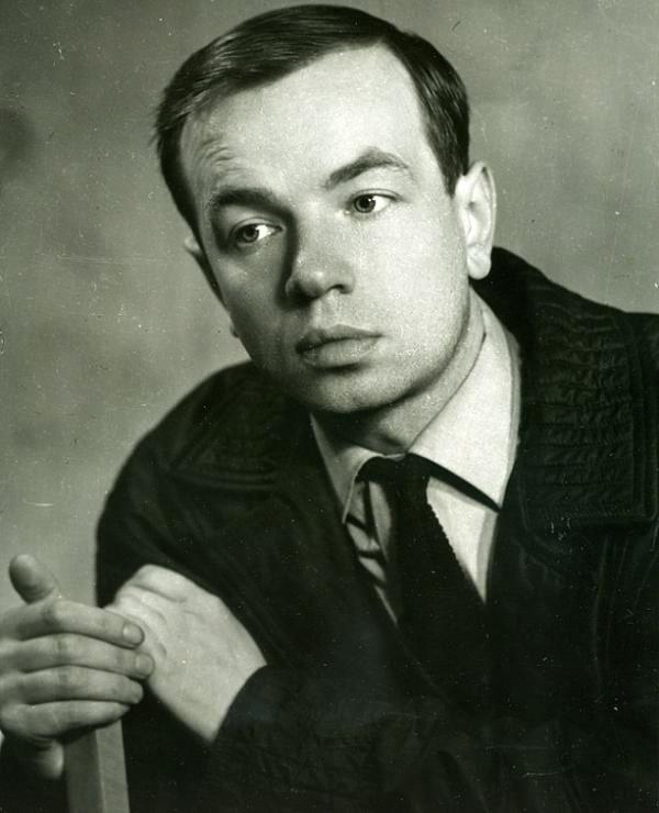 Andrey-Voznesenskiy-v-molodosti