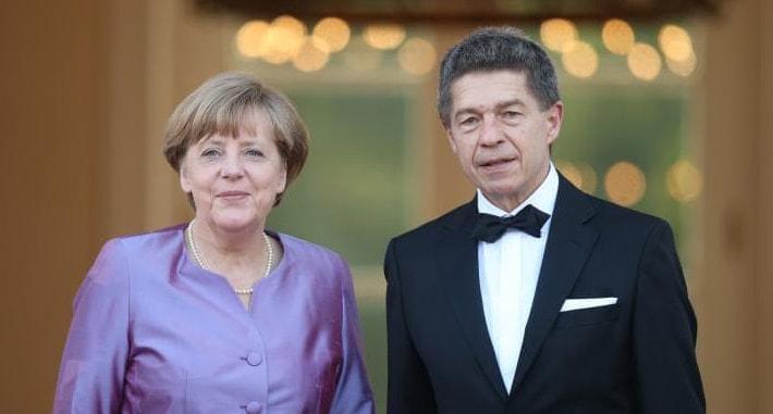 Angela-Merkel-s-muzhem