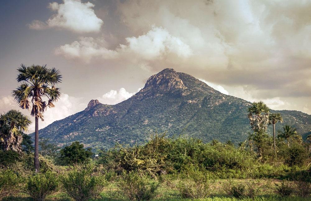 Arunachala-Indiya-Mesta-Sily