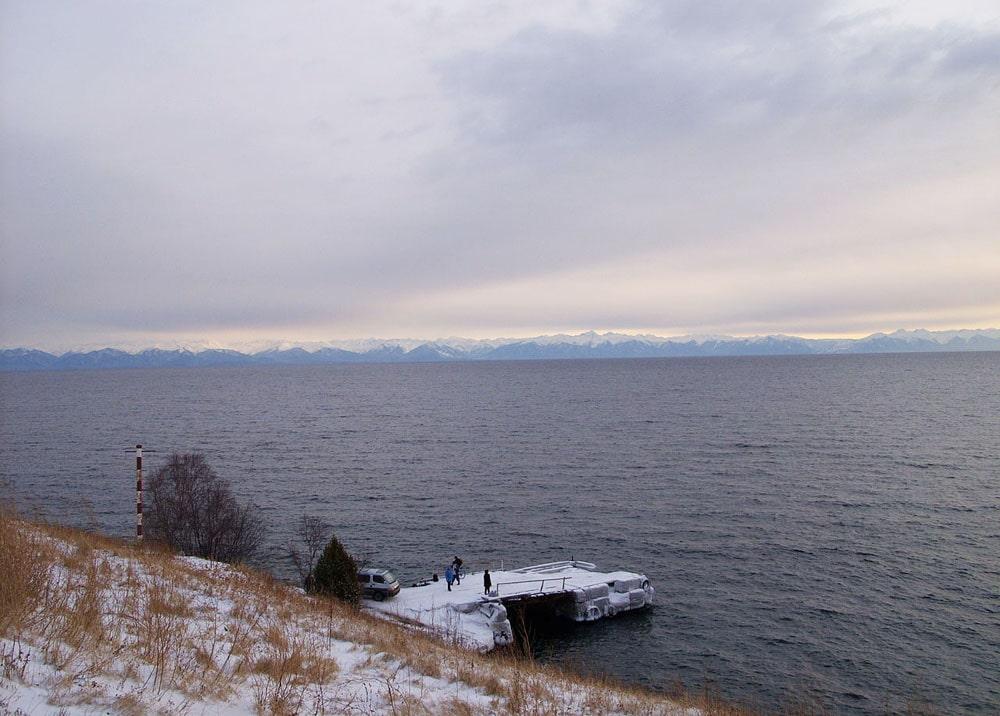 Bajkal-zimoj-bliz-Listvyanki