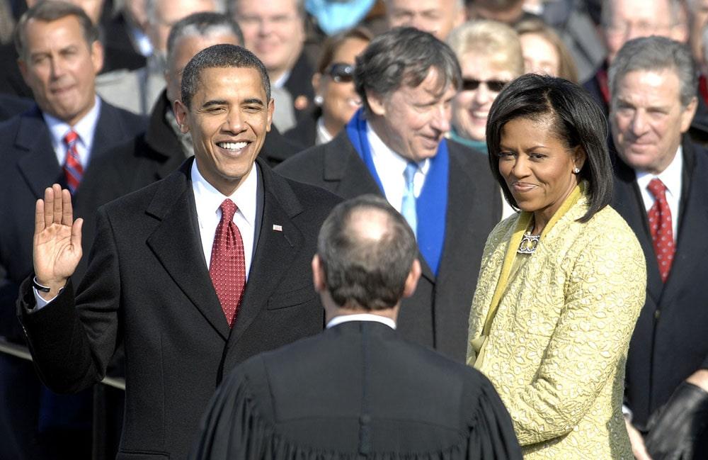 Barak-Obama-prinimaet-prezidentskuyu-prisyagu