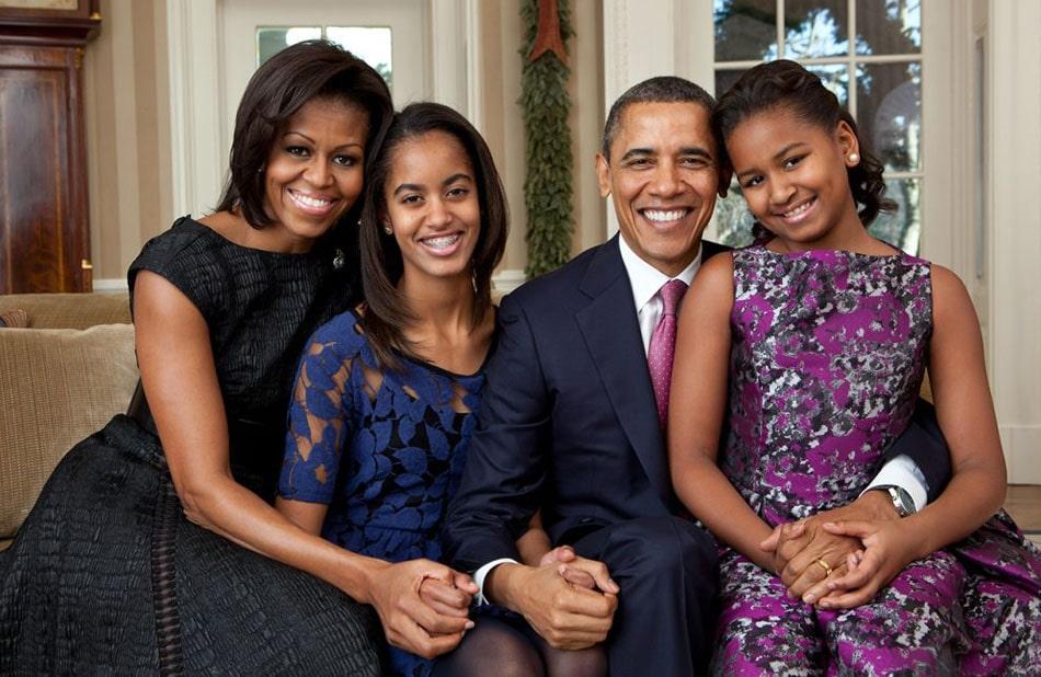 Barak-Obama-s-zhenoj-i-detmi