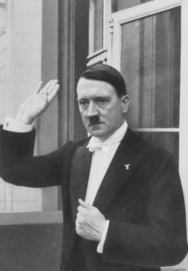Berlin-1936-god-proshhanie-Gitlera-na-novogodnem-bankete-s-prisutstvuyushhimi-gostyami