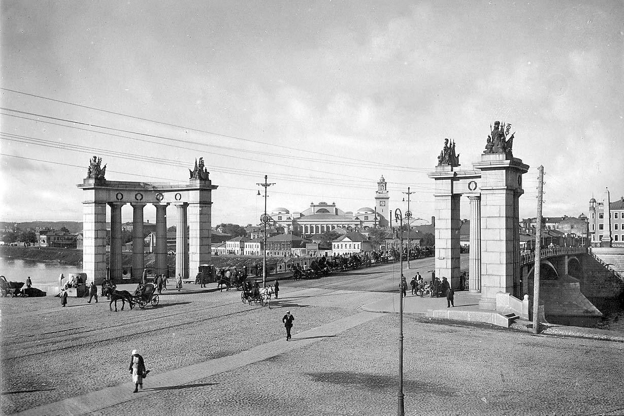 Borodinskiy-most-Foto-Sovetskoy-Moskvyi