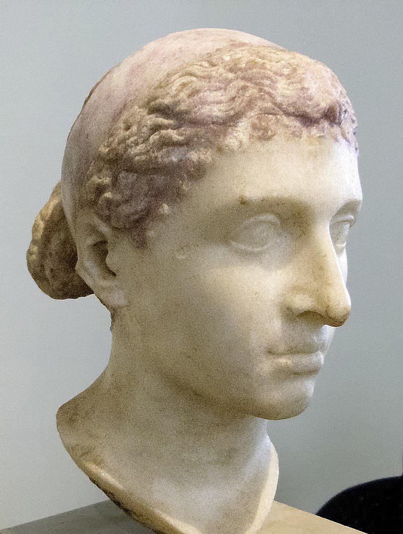 Byust-Kleopatryi