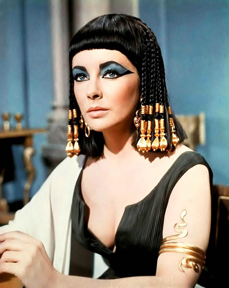 E`lizabet-Teylor-v-roli-Kleopatryi