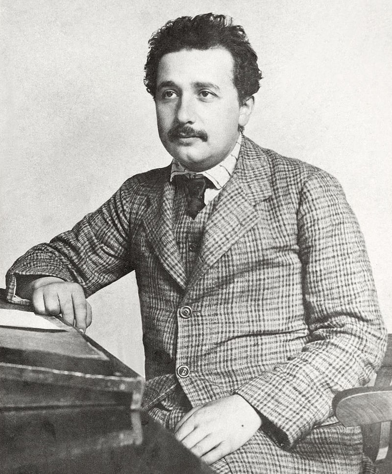 E`ynshteyn-v-patentnom-byuro-1905