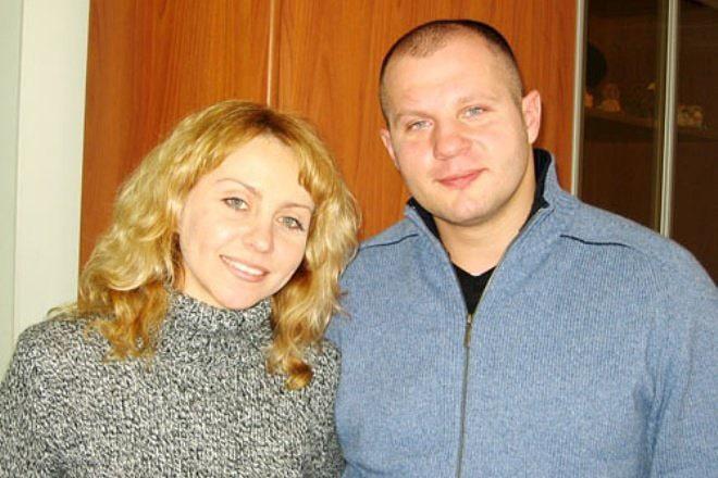 Fedor-Emelyanenko-s-zhenoy-Oksanoy-5