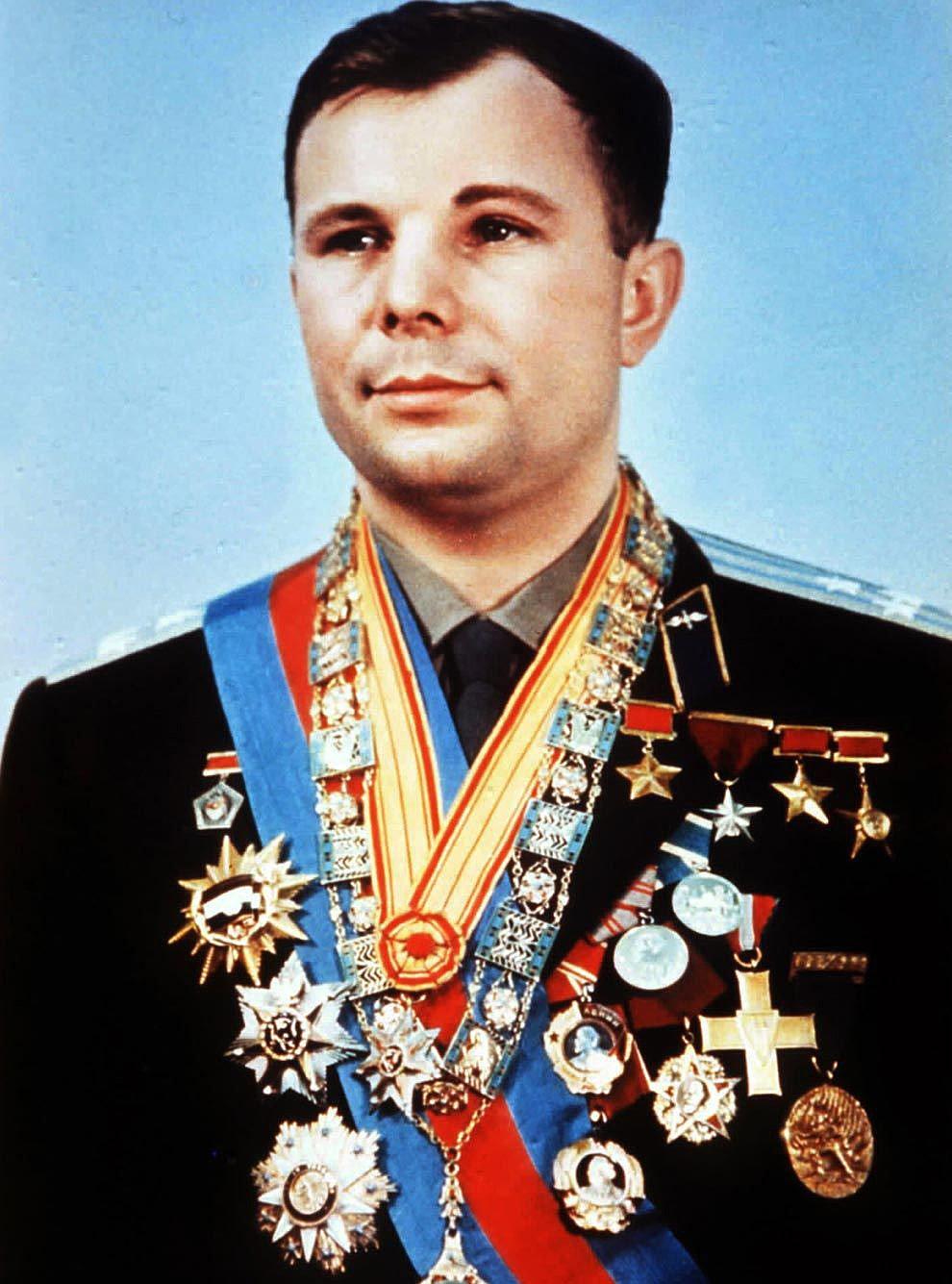Foto-Geroy-Sovetskogo-Soyuza-YUriy-Gagarin