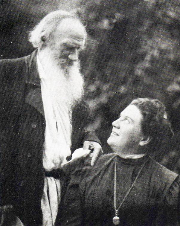 Foto-L.-N.-Tolstoy-so-svoeyu-docheryu-Aleksandroy-Lvovnoy