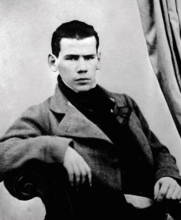 Foto-Lva-Tolstogo-v-molodosti-2