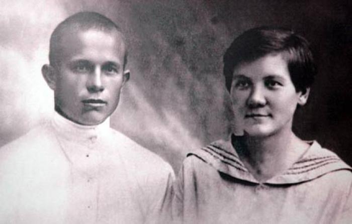Foto-Nikita-Hrushhyov-s-Ninoy-Kuharchuk-1924-god