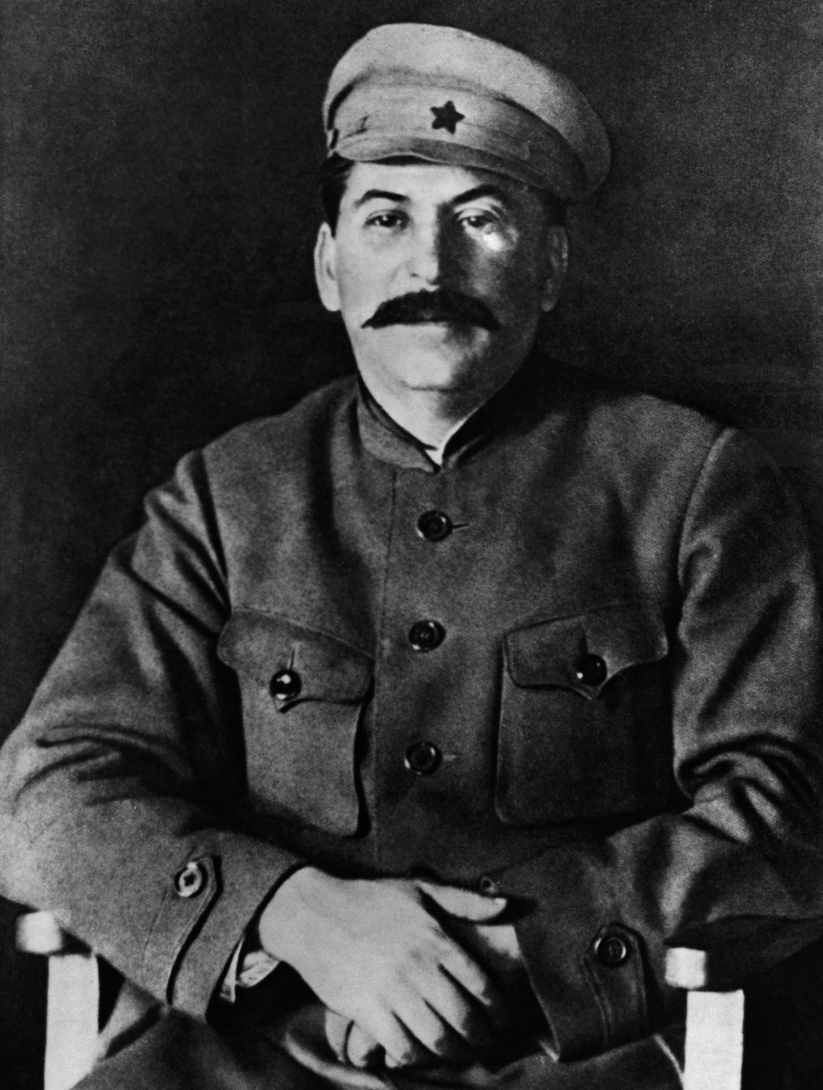 Foto-Stalin-v-Molodosti-4