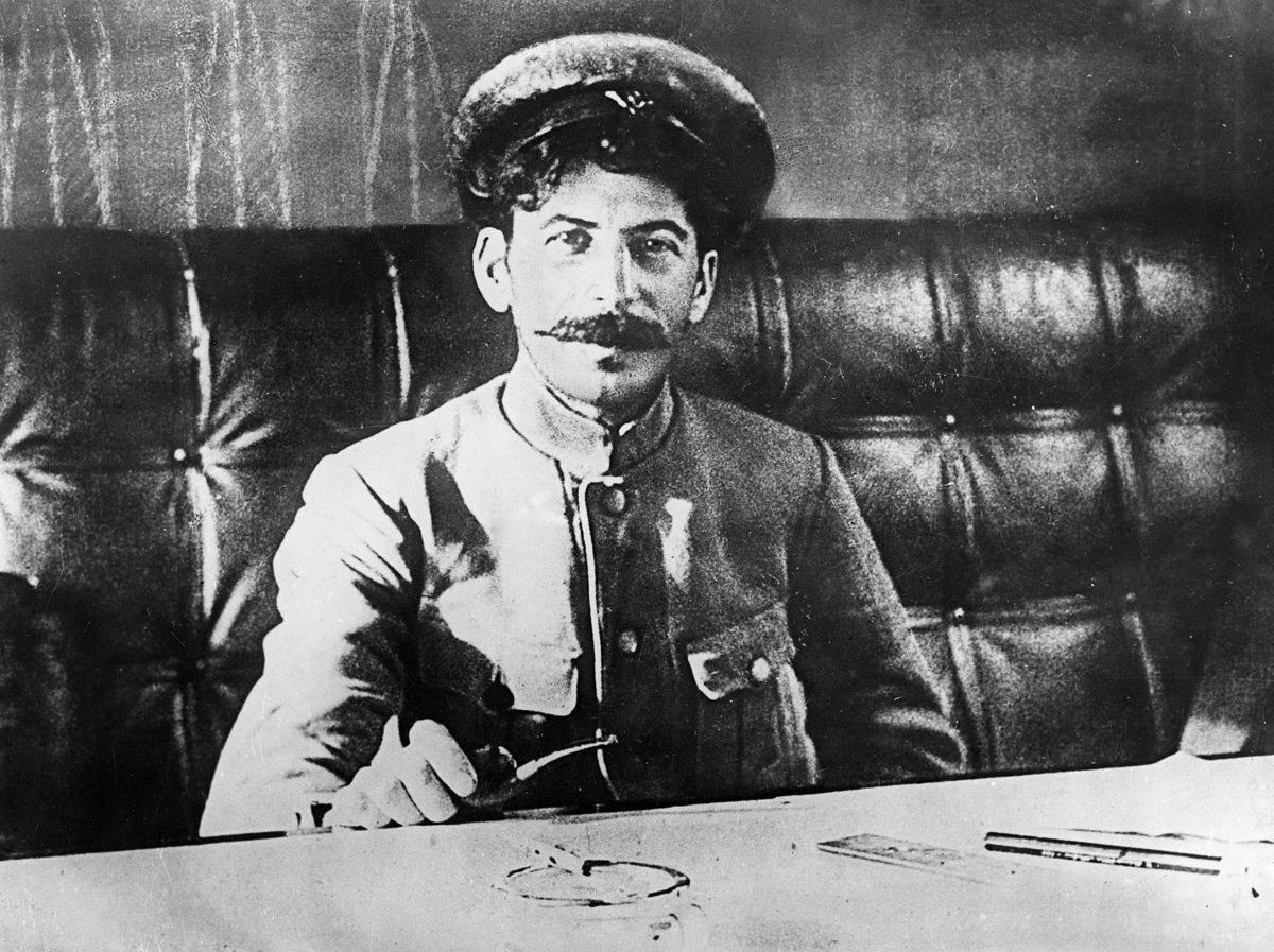Foto-Stalin-v-Molodosti-9
