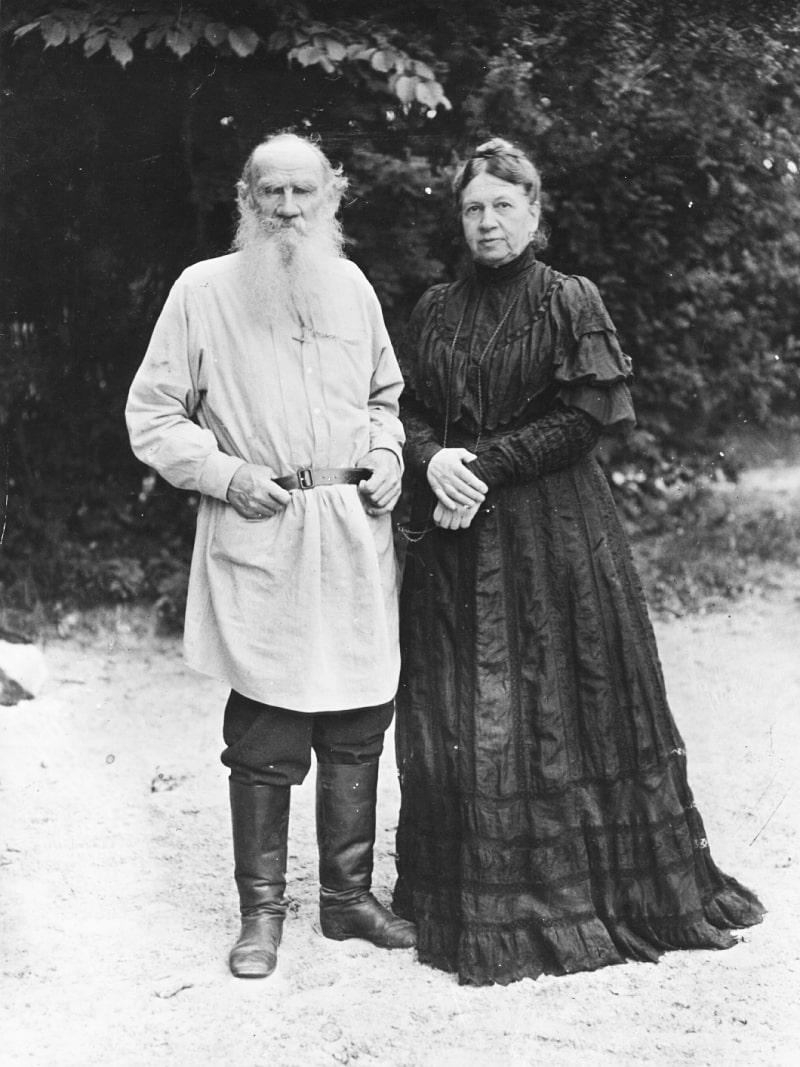 Foto-Tolstogo-s-zhenoy