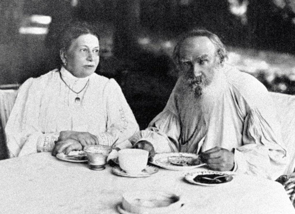 Foto-Tolstogo-s-zhenoy-3