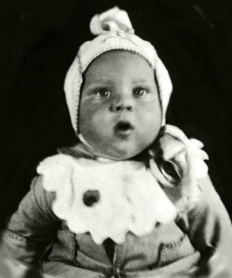Foto-Vyisotskiy-v-detstve-1938-polgoda