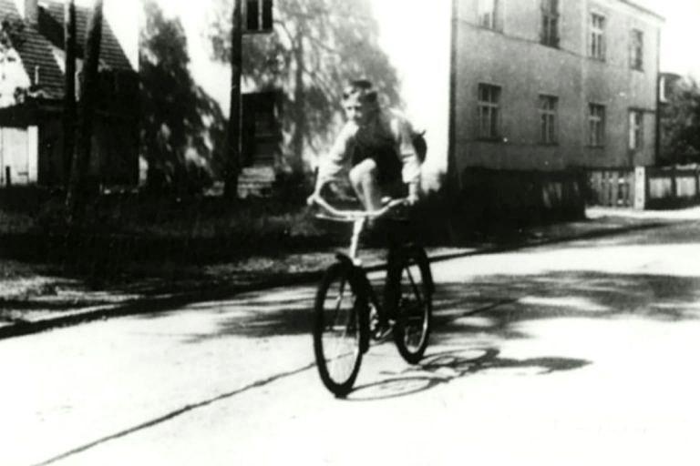 Foto-Vyisotskiy-v-detstve-1948