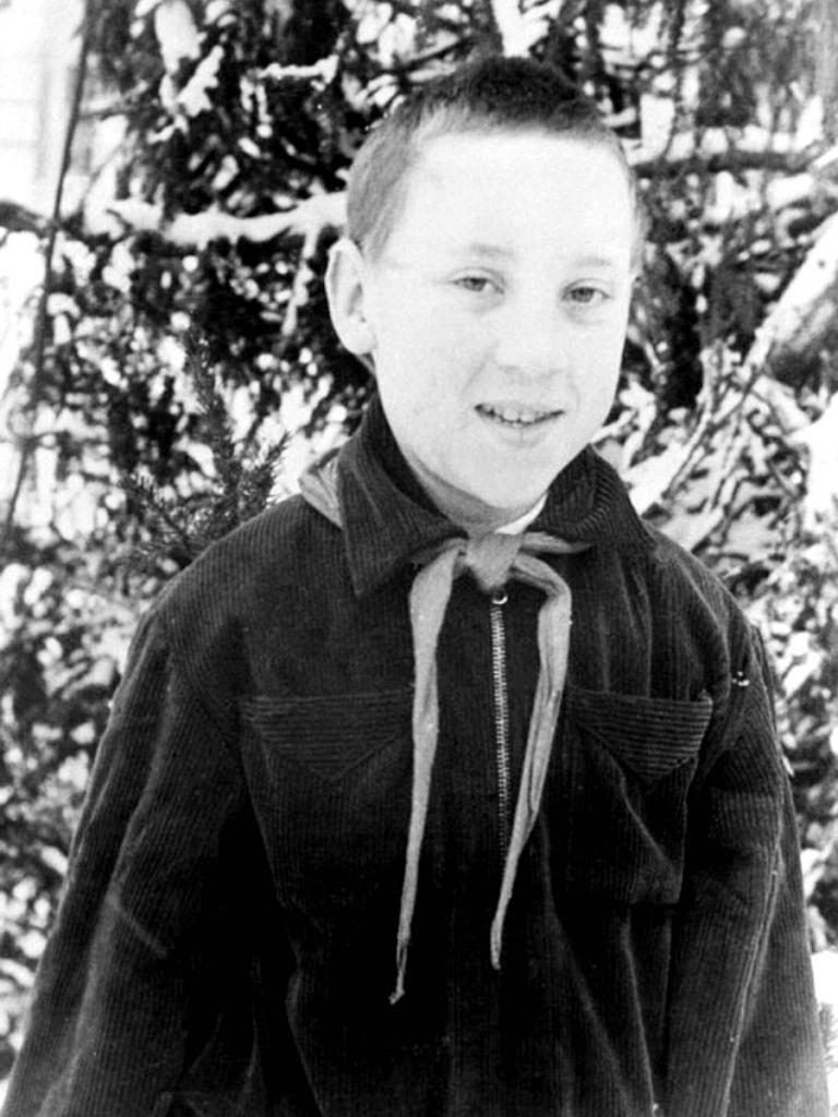 Foto-Vyisotskiy-v-detstve-1951