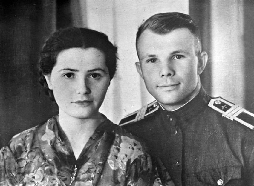 Foto-YUriy-i-Valentina-v-devichestve-Ivanova-Gagarinyi