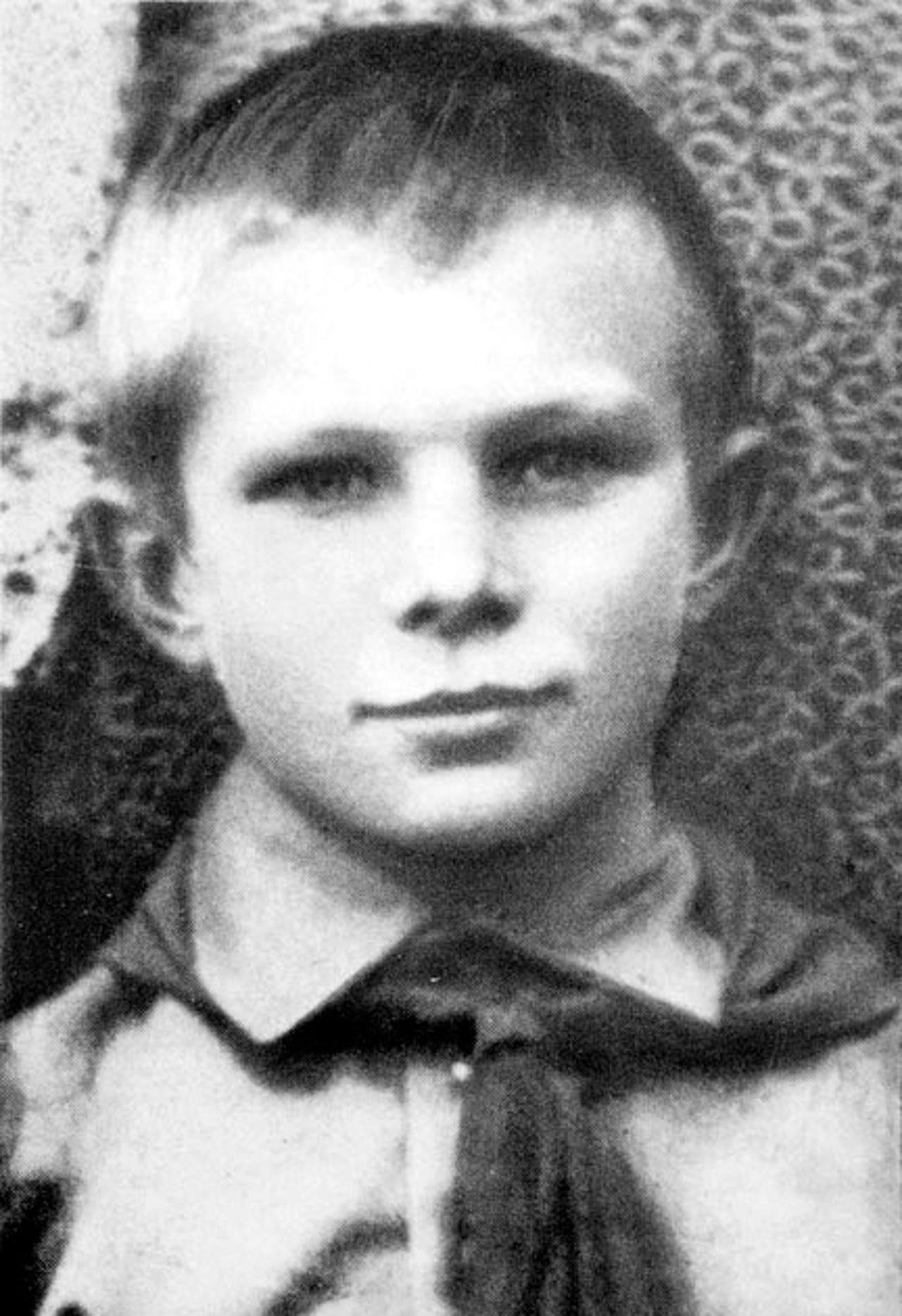 Foto-YUriya-Gagarina-v-detstve-1