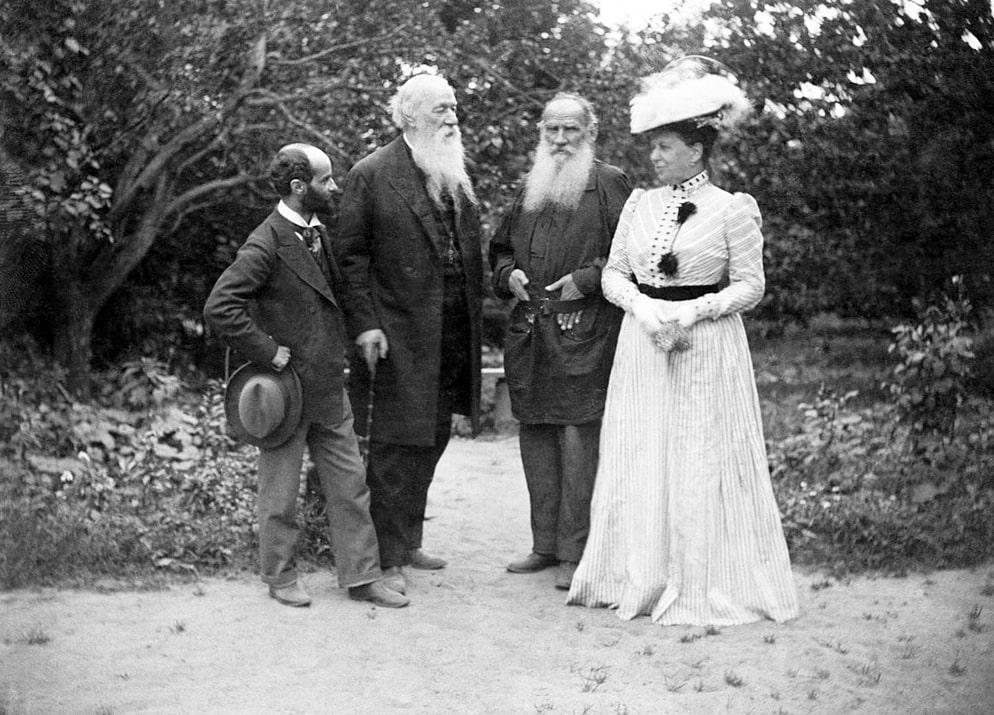 Foto-semi-Lva-Tolstogo-1