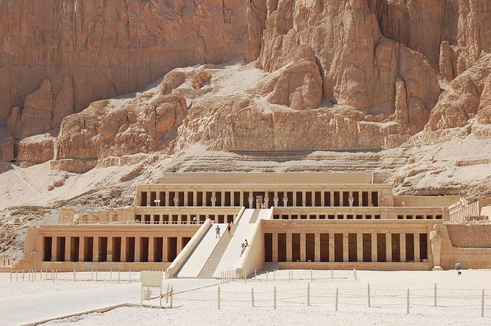 Hram-Hatshepsut-v-Deyr-e`l-Bahri