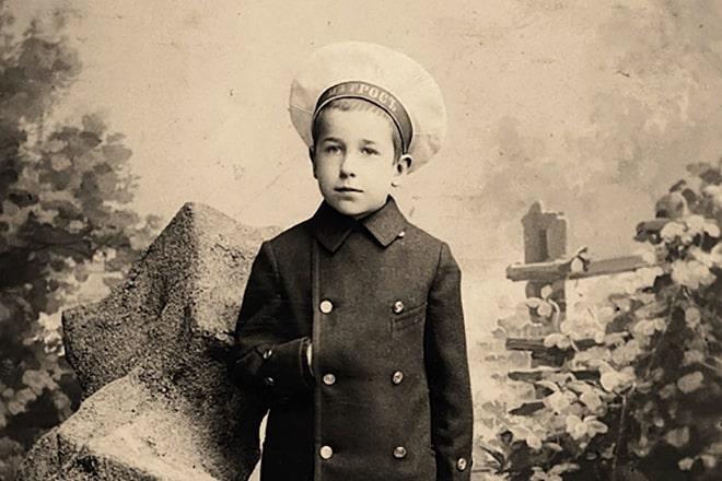 Igor-Severyanin-v-detstve