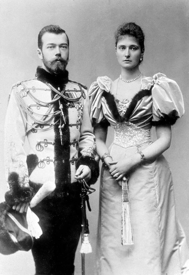 Imperator-Nikolay-II-i-imperatritsa-Aleksandra-Feodorovna