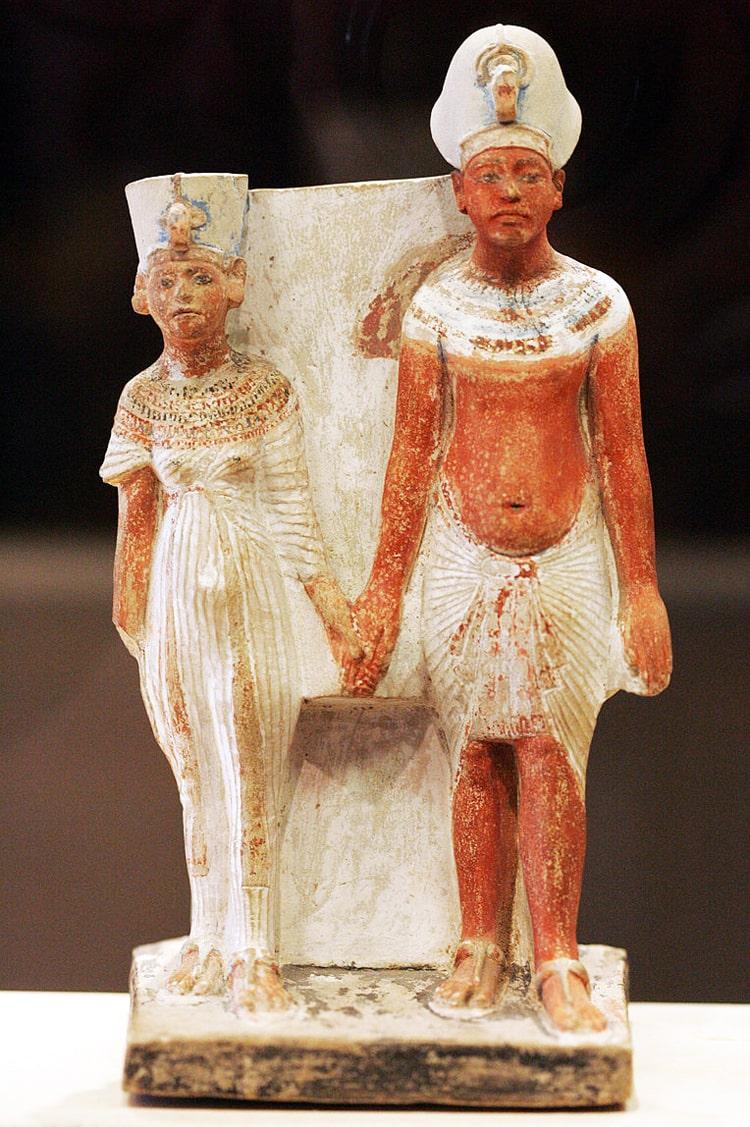 Nefertiti-i-E`hnaton