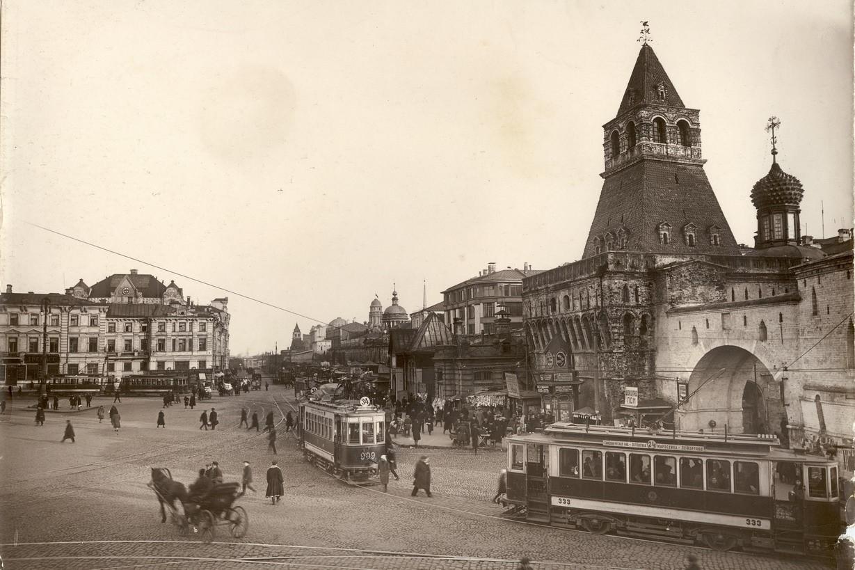 Kitaygorodskaya-stena-v-rayone-Lubyanskoy-ploshhadi-kon.-20-h