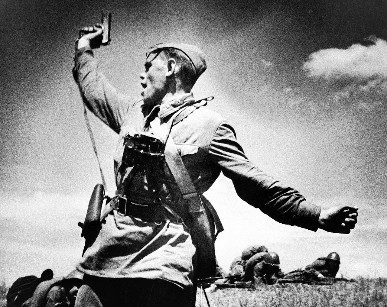 Kombat-vedyot-v-ataku-svoih-soldat