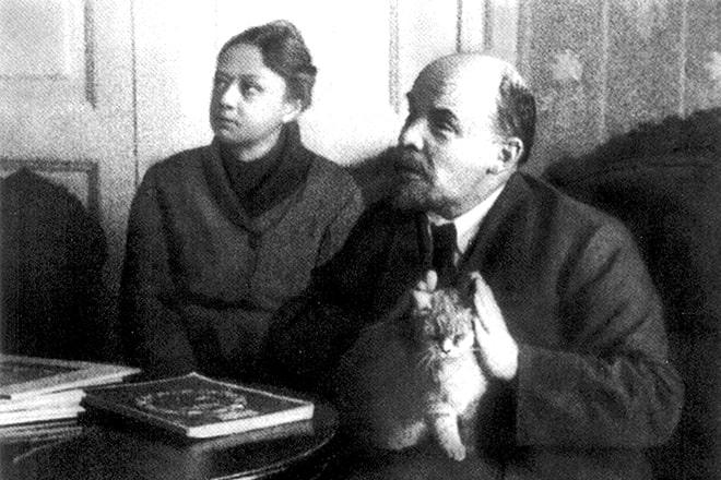 Krupskaya-i-Lenin