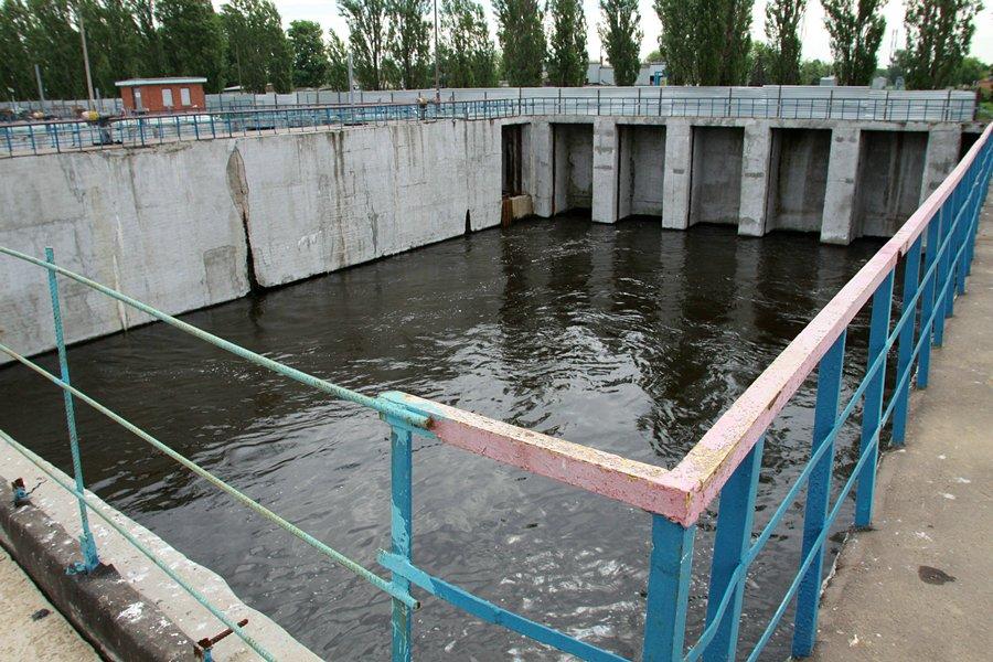 kuda-techet-kanalizatsiya-11