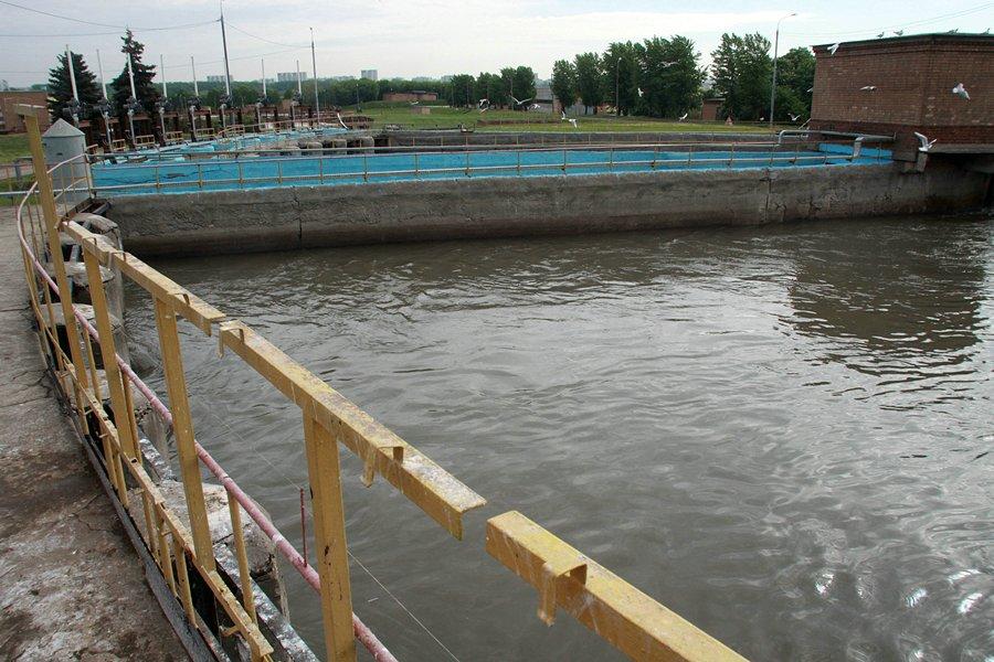 kuda-techet-kanalizatsiya-3