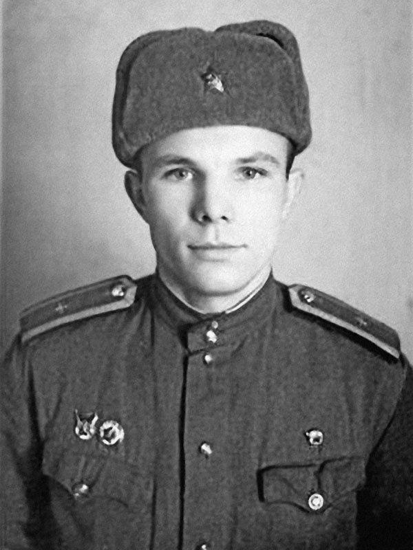 Kursant-Orenburgskogo-uchilishha-YUriy-Gagarin-v-1956-godu