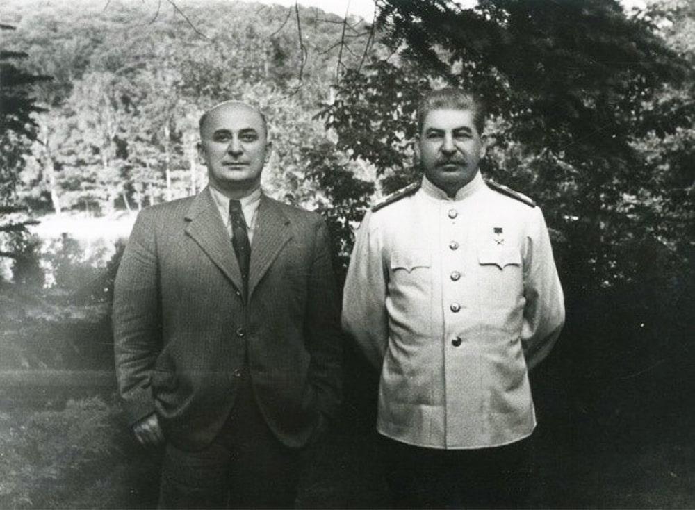 Lavrentij-Beriya-i-Iosif-Stalin