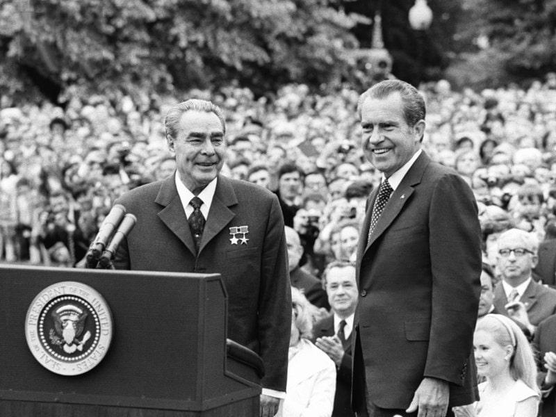 Leonid-Brezhnev-i-Richard-Nikson