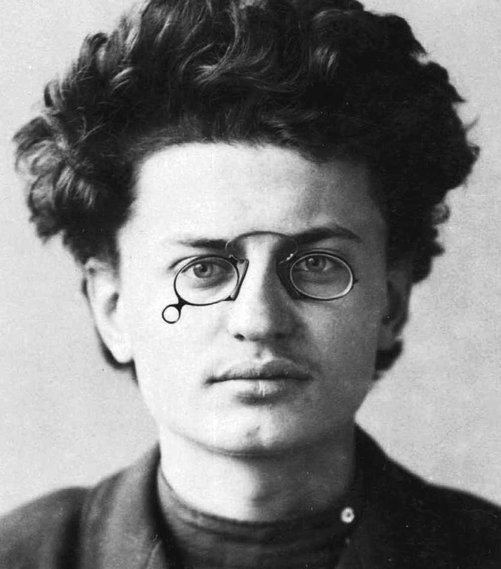 Lev-Trotskij-v-molodosti