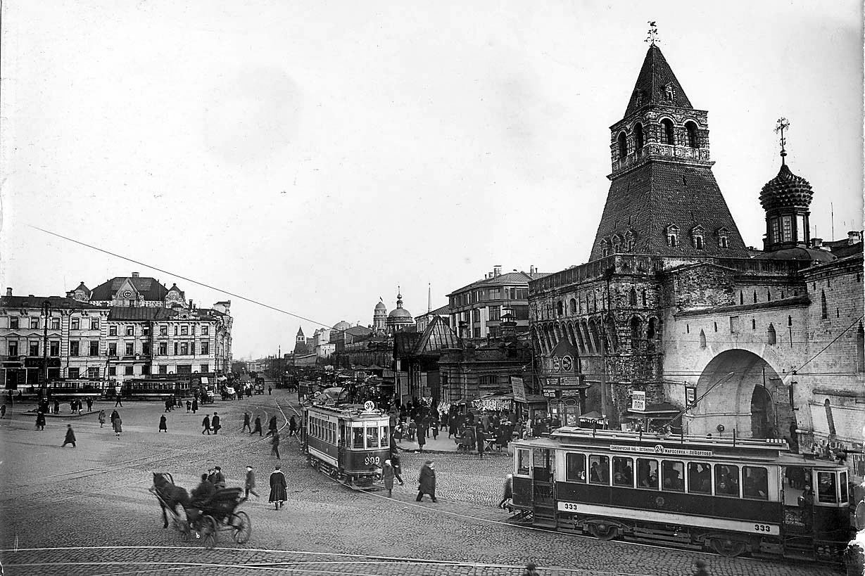Lubyanskaya-ploshhad-i-Vladimirskie-vorota-Kitay-goroda