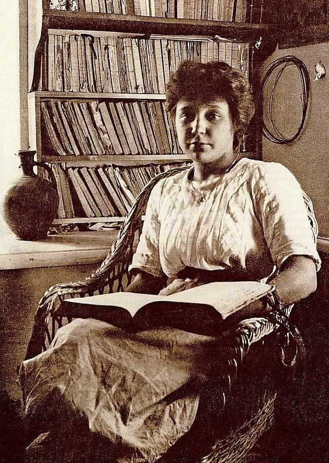 Marina-TSvetaeva.-1911-god.-Foto-Maksimiliana-Voloshina