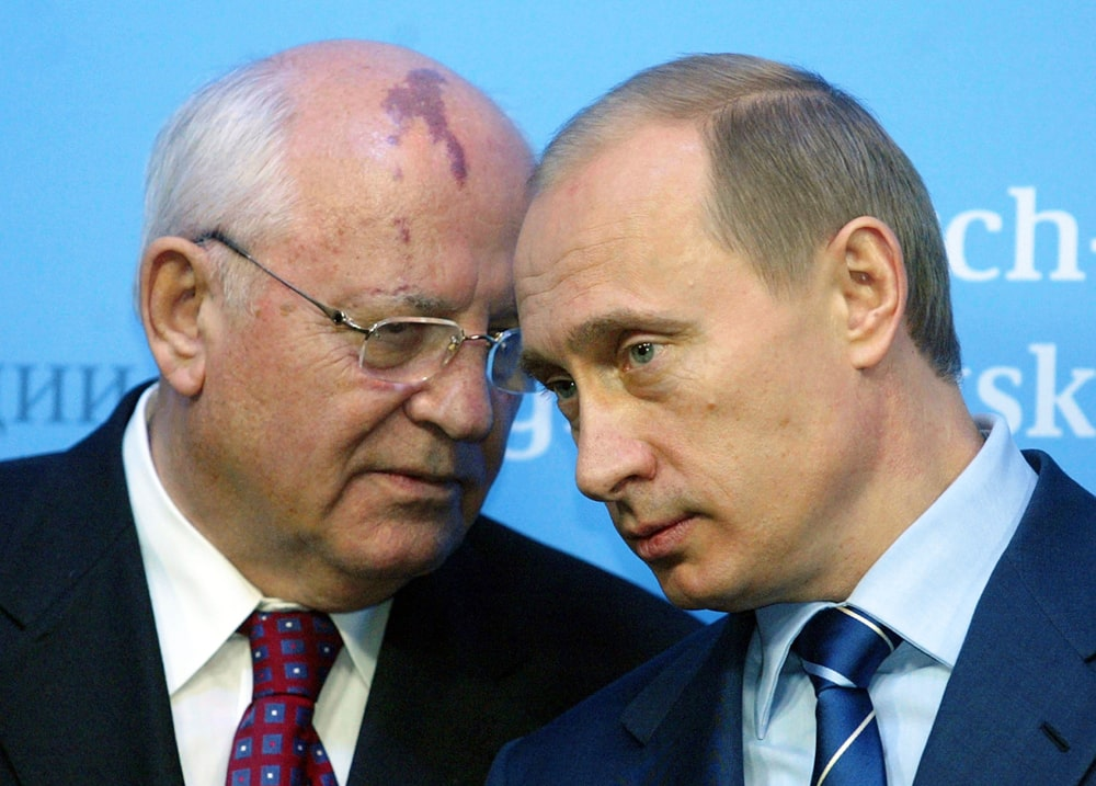 Mihail-Gorbachev-i-Vladimir-Putin