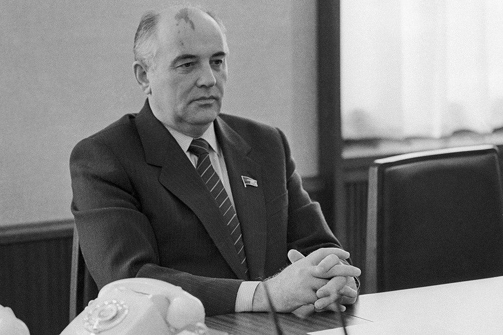 Mihail-Gorbachev-interesnyefakty.org-2