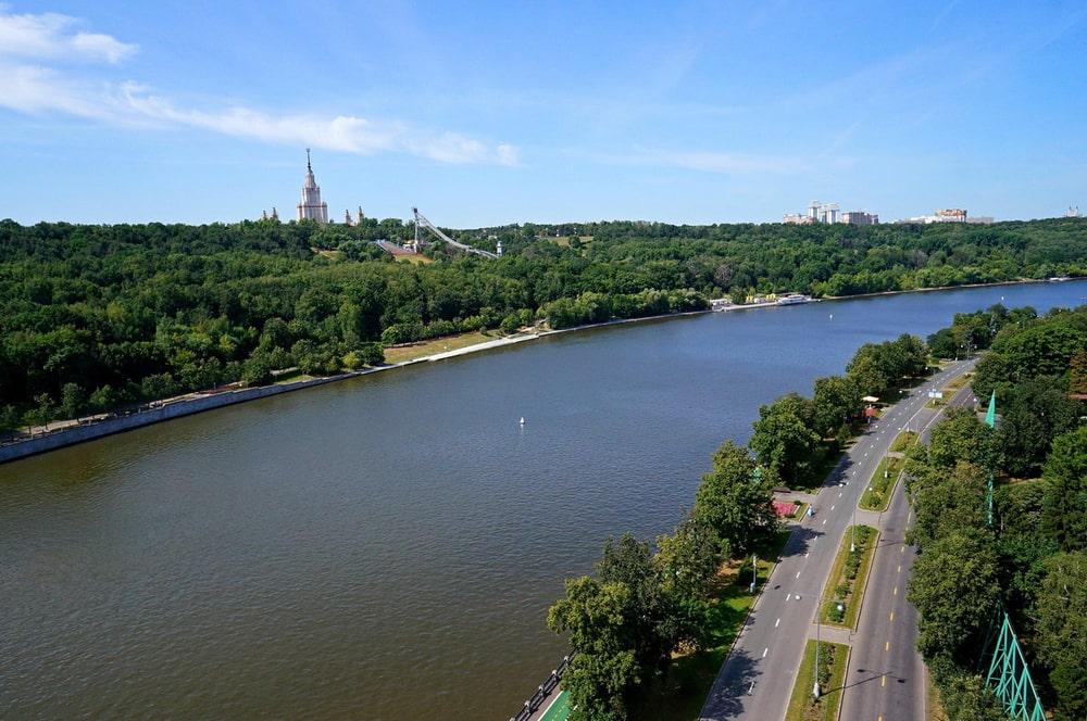 Naberezhnaya-Moskvyi-reki-interesnyefakty.org